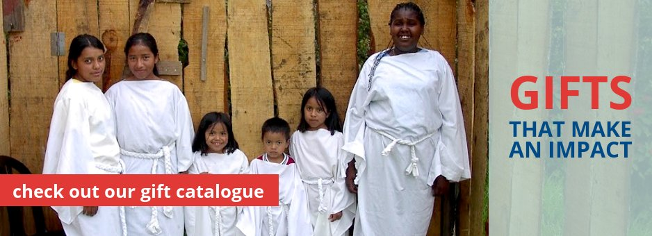 Christmas Catalogue Banner with Vida Children as Angels