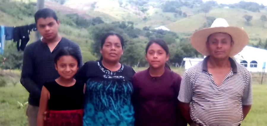 Eliseo's family